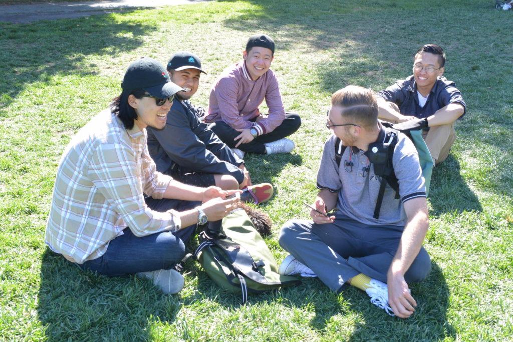 公園で集団ポケモンハンティング